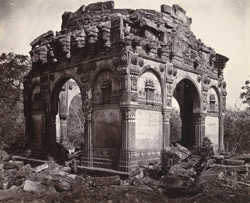 Ruined tomb in front of mosque, Champaner